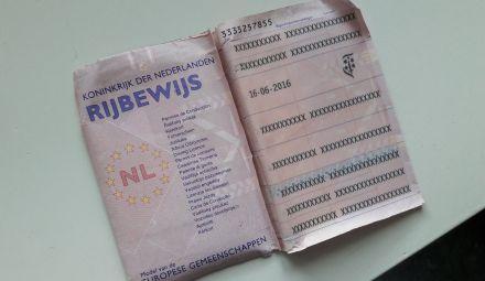Het roze papieren rijbewijs is officieel niet meer geldig!