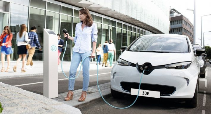 de nieuwe renault zoe 400 kilometer nedc actieradius. Black Bedroom Furniture Sets. Home Design Ideas